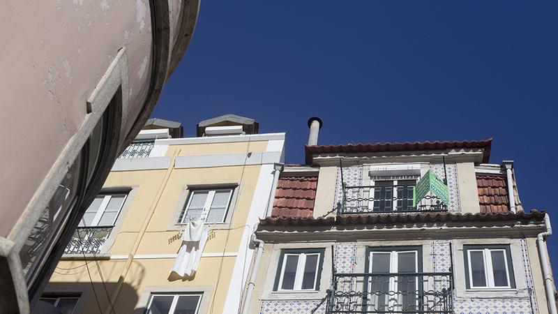 """Mercado imobiliário desacelera em Portugal. """"Existe um enorme desequilíbrio entre a oferta e a procura"""", alerta APEMIP"""