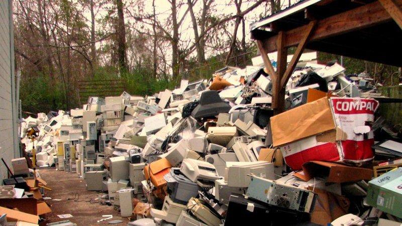Lixo electrónico: no poupar não está o ganho