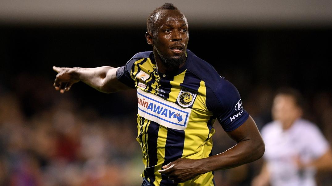Usain Bolt estreia-se a marcar como futebolista e logo em dose dupla