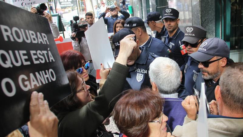 Governo reúne-se esta quinta-feira com lesados do Banif e CMVM
