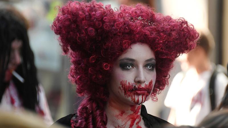 Zombies à solta e batalhas medievais nas fotos da semana