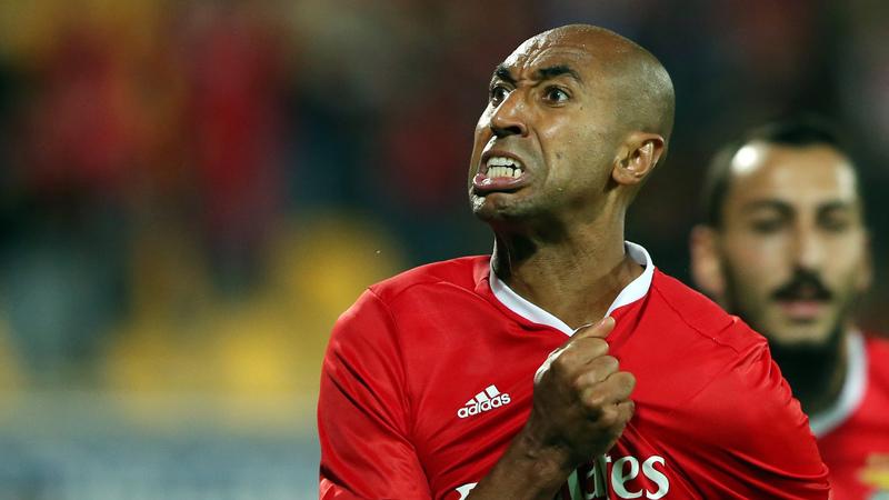 Luisão encerra hoje carreira de futebolista com cerimónia no Estádio da Luz