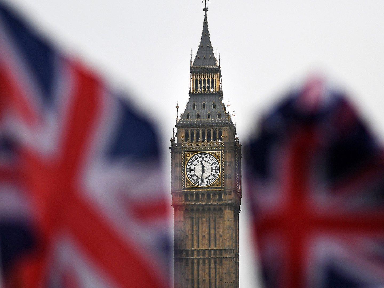 Brexit: Câmara dos Lordes vota emenda à lei para proteger europeus e derrota governo