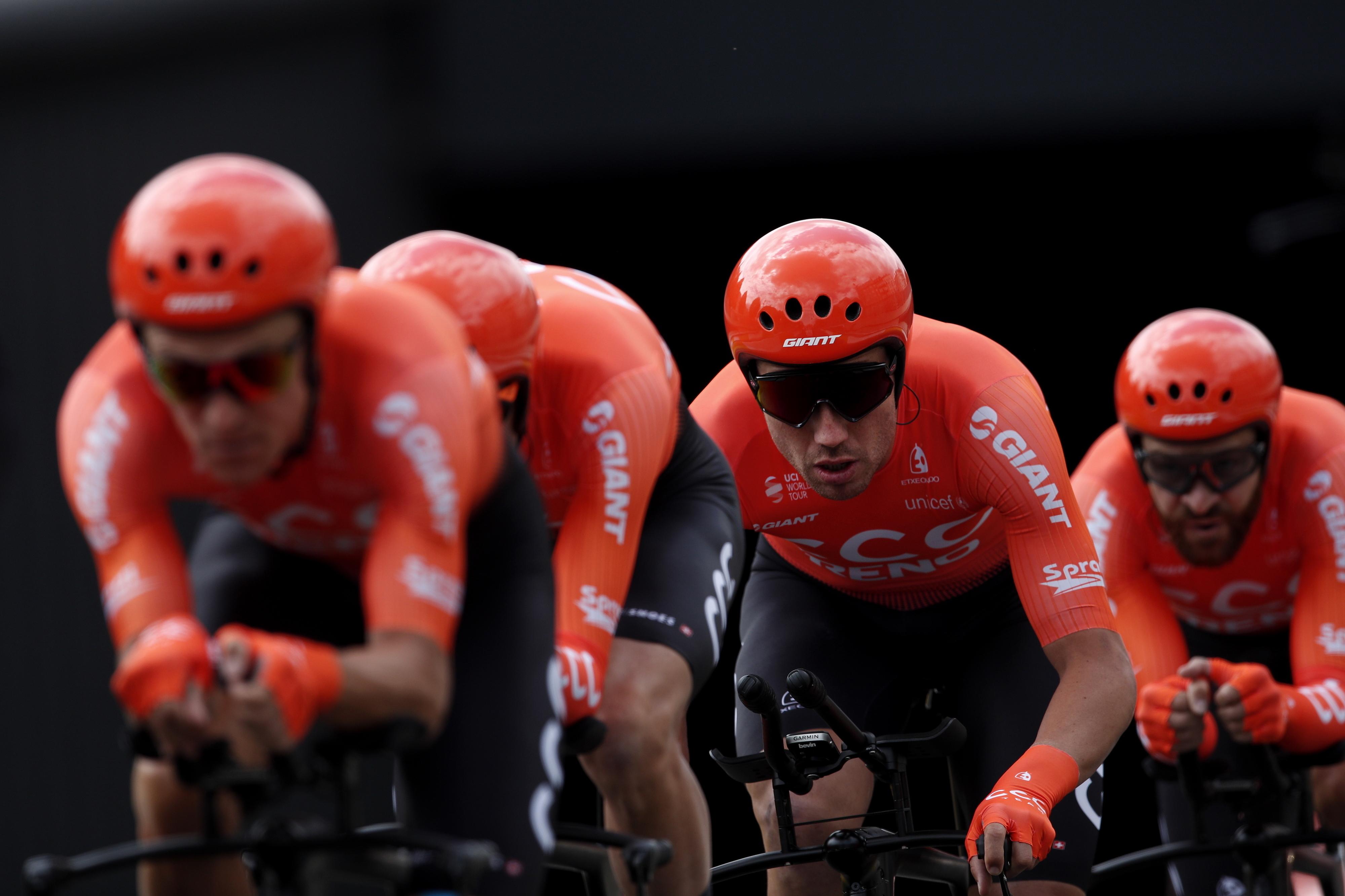"""Covid-19: Cortes salariais """"significativos"""" e suspensão de contratos na equipa de ciclismo CCC"""