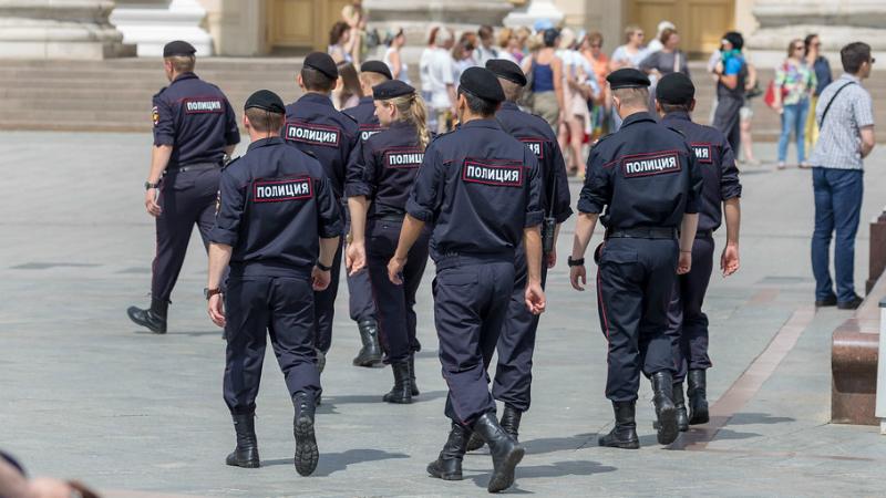 «Terrorismo telefónico» chega a Moscovo. Falso alerta de bomba obriga à retirada de 10 mil pessoas