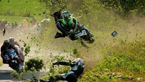 """Vídeo: A razão de chamarmos """"a corrida da morte"""" à Isle of Man TT"""