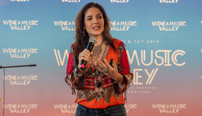 """Roberta Medina e a edição de 2020 do Rock in Rio: """"O nosso desejo é ter mais magia e continuar a surfar na onda da música"""""""