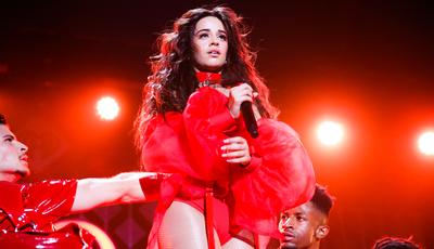 Camila Cabello estreia-se em Portugal no Rock in Rio Lisboa. Black Eyed Peas atuam no festival no mesmo dia
