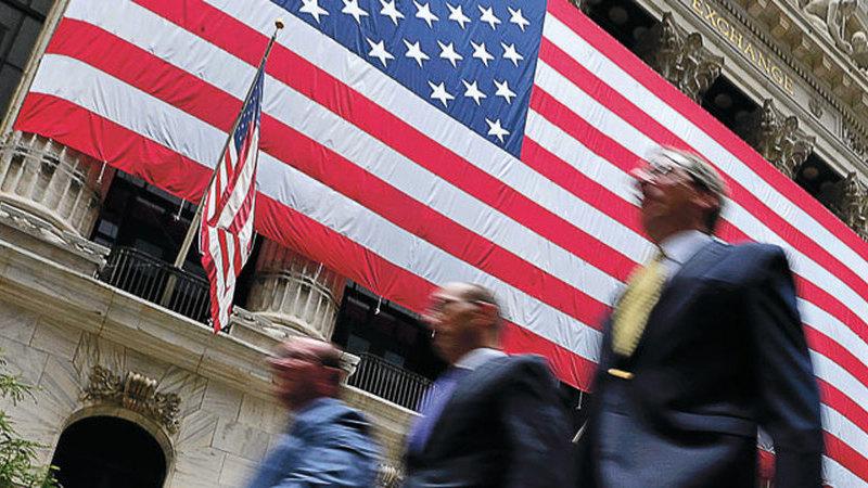 Wall Street fecha em alta com a Fed e petróleo dispara com o Irão