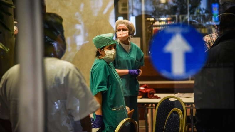 COVID-19 fez 681 mortos em 24 horas em Itália, mais de 15 mil óbitos desde o início da pandemia