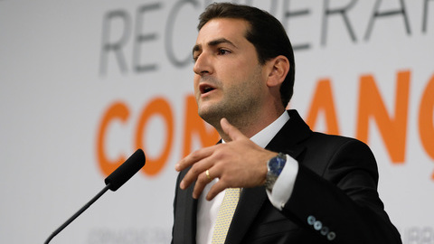 """Hugo Soares acusa Rio de """"ter mais força"""" a atacar militantes do PSD do que António Costa"""