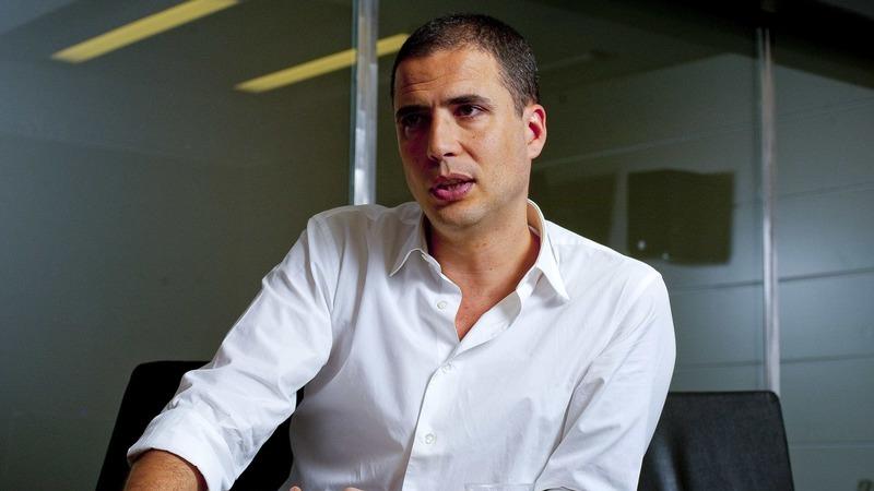 Ricardo Araújo Pereira anuncia regresso às manhãs da Rádio Comercial