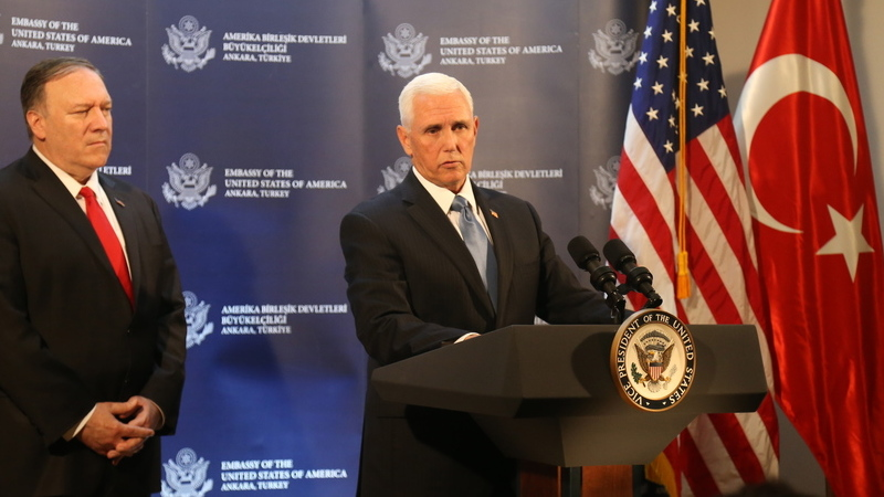 Síria: Mike Pence confirma possível cessar-fogo. Turquia termina ofensiva após retirada dos curdos