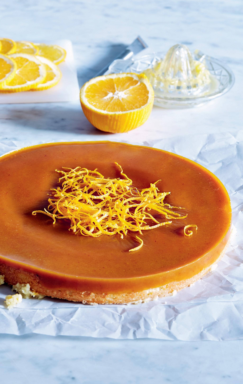 Este bolo de laranja é superfácil e ainda traz um extra, o caramelo
