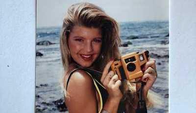 Cantora internacional recorda juventude. Reconhece-a?