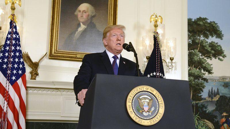 """Trump espera """"um bom acordo comercial"""" com a União Europeia"""