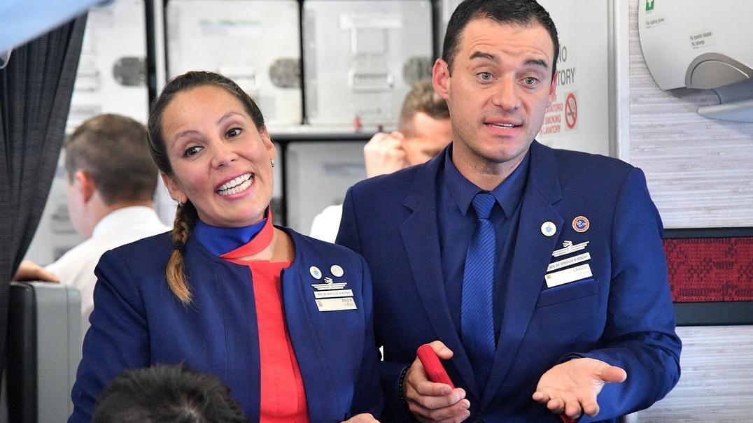 """O primeiro casamento """"papal"""" a bordo de um avião"""