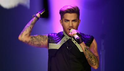 Adam Lambert regressa a Portugal com os Queen: Quem o viu e quem o vê