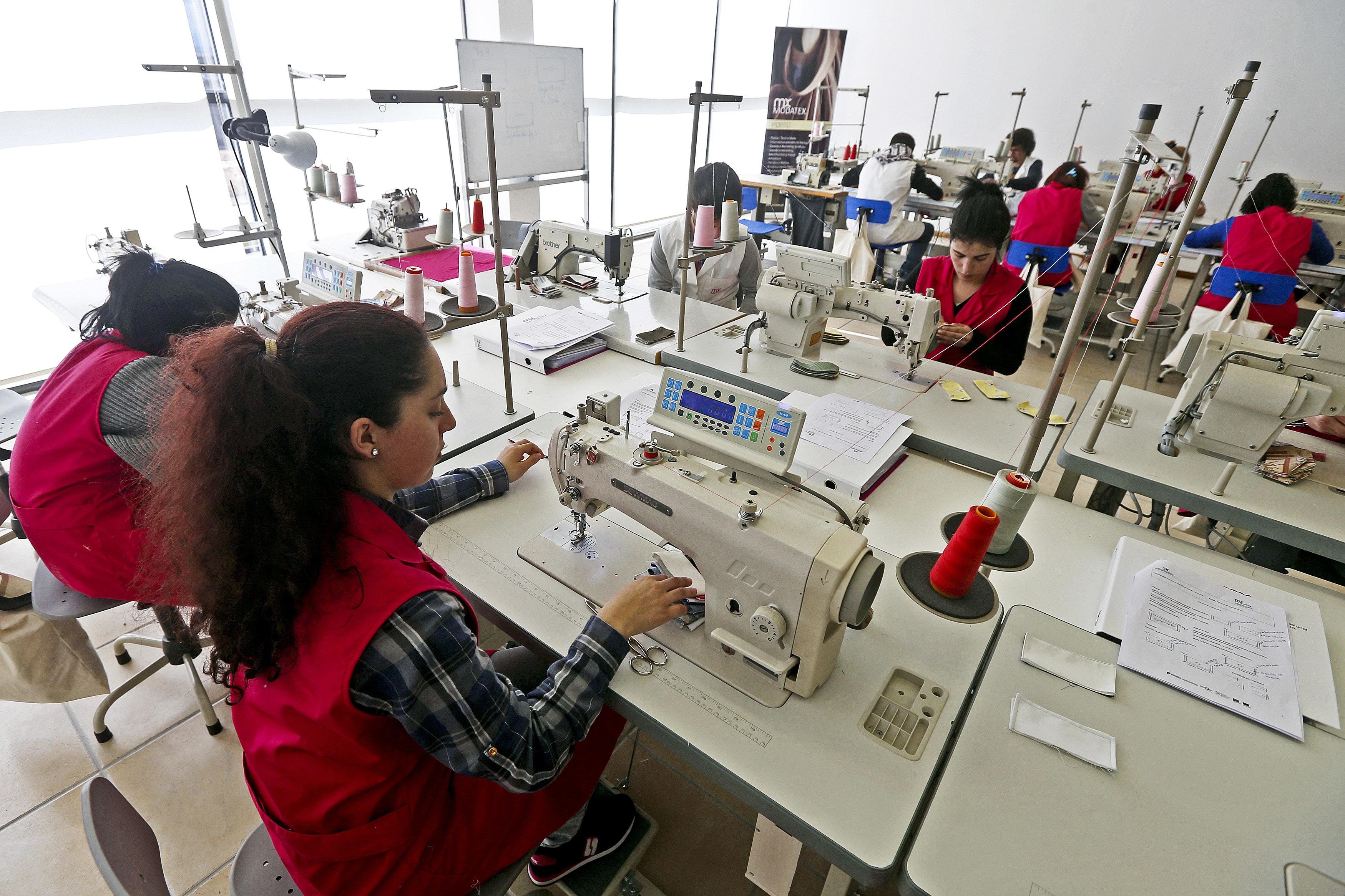 Custo horário da mão-de-obra sobe mais de 2% na zona euro e União Europeia no primeiro trimestre