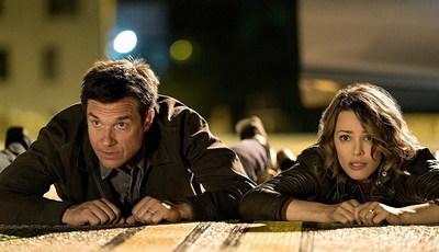 """e-Cinema: Jason Bateman e Rachel McAdams têm """"Noite de Jogo"""" caótica"""
