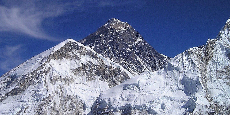 Terá o monte Evereste encolhido? Cientistas indianos querem confirmar