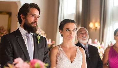 Esta semana em 'O Outro Lado do Paraíso', Clara rejeita Renato no altar