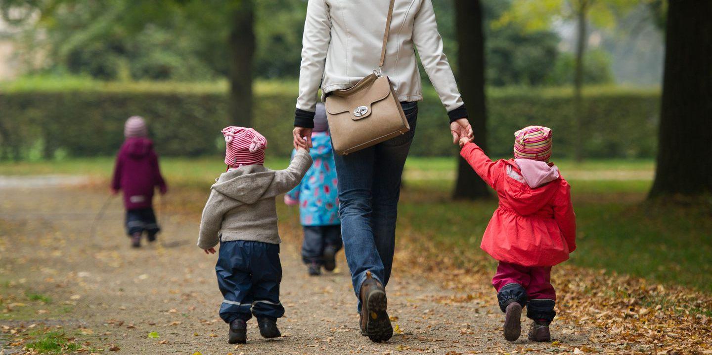Famílias juntam-se em debate para discutir diferentes formas de parentalidade
