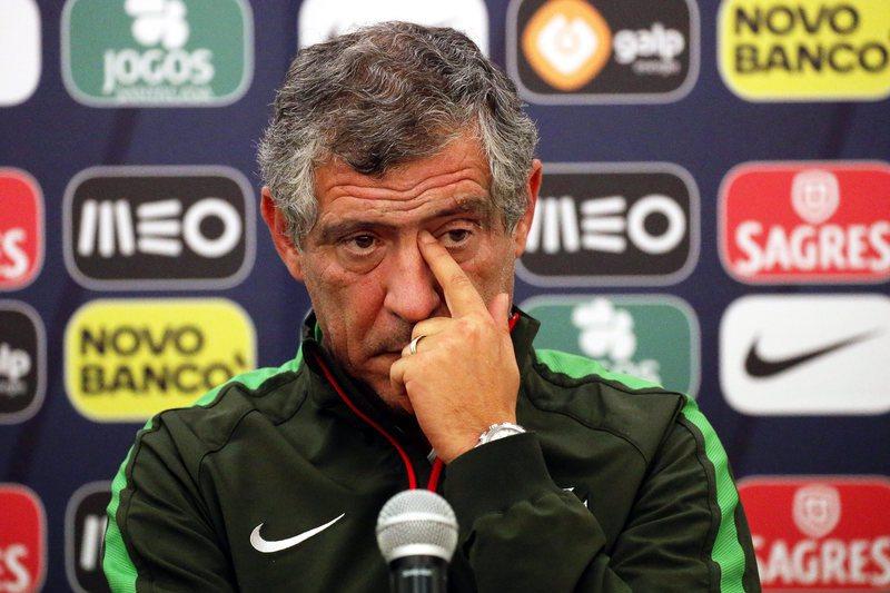 """Fernando Santos: """"Portugal vai jogar com dois avançados"""""""