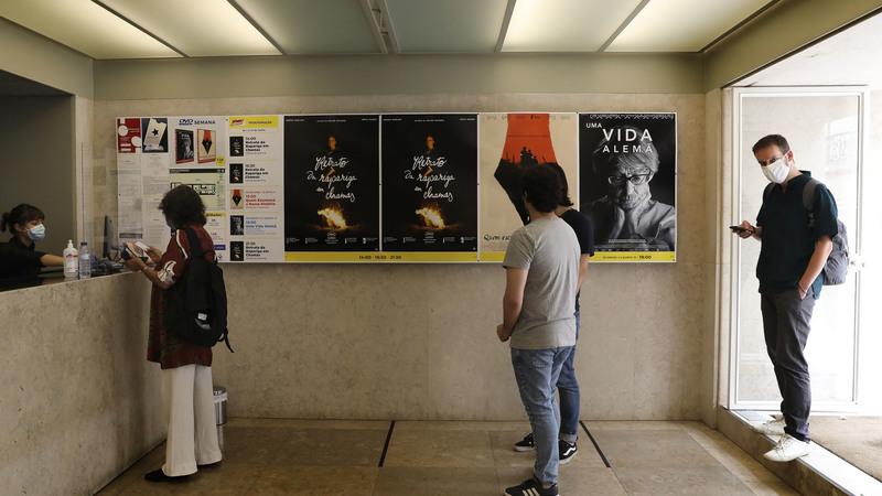 COVID-19: Cinema Ideal foi o primeiro a reabrir. Estiveram 21 pessoas na primeira sessão