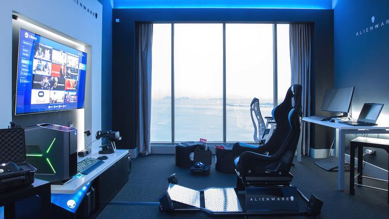 """Hotel inaugura quarto """"de sonho"""" para gamers equipado pela Alienware"""