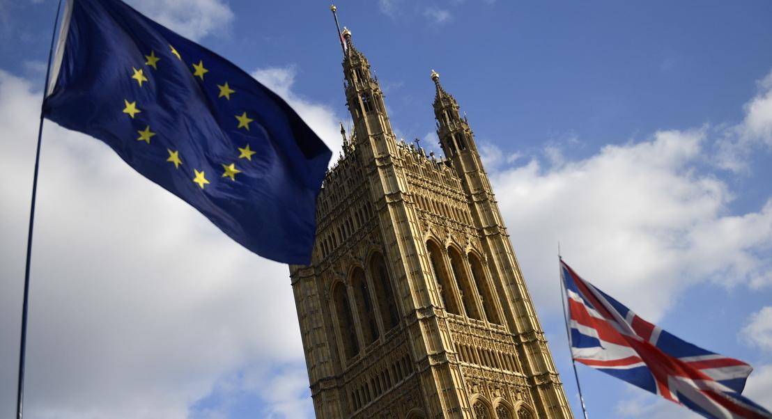 """Livre circulação de pessoas termina """"imediatamente"""" em caso de 'Brexit' sem acordo"""