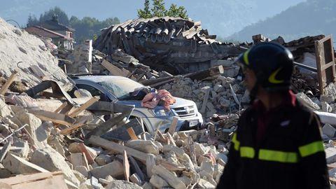 Itália: Resgatadas 238 pessoas dos escombros. Número de mortos volta a subir