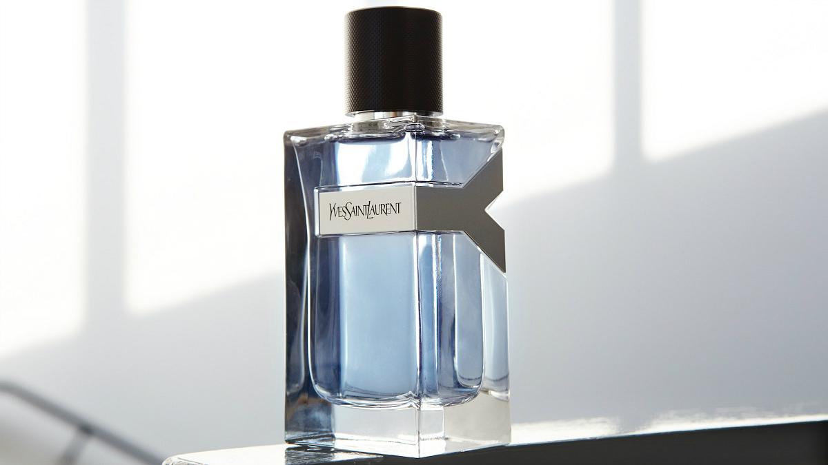 Adam Levine é o rosto do novo perfume de Yves Saint Laurent nos EUA
