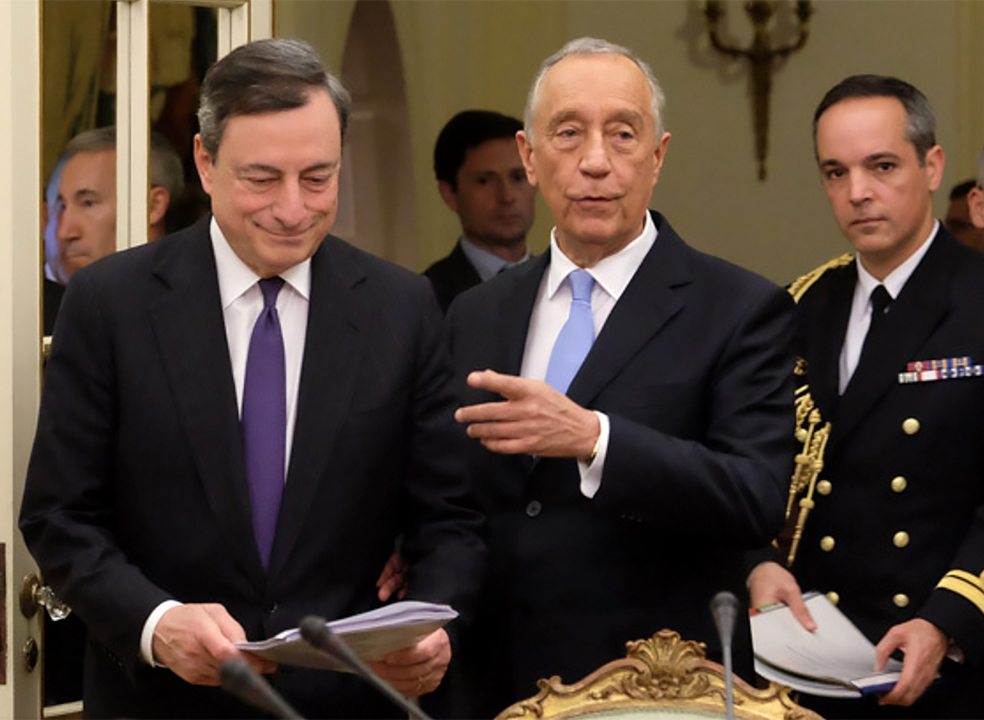 Marcelo condecora Draghi no fim do mandato no BCE