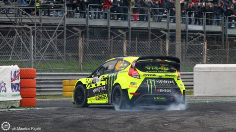 Os melhores momentos de Valentino Rossi no 2º dia do Monza Rally Show