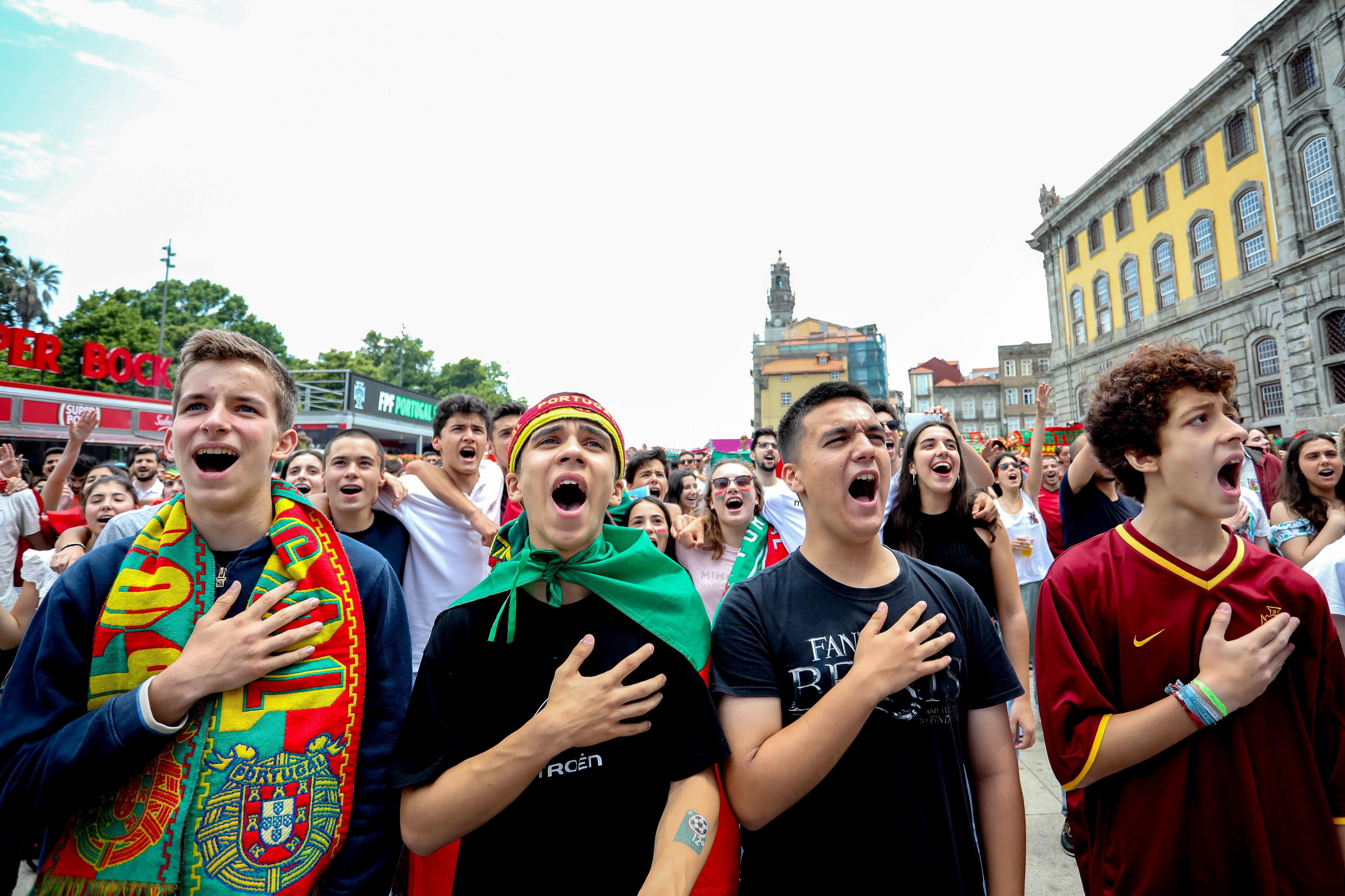 Portugal-Marrocos: Adeptos do Porto satisfeitos e confiantes depois 90 minutos a sofrer