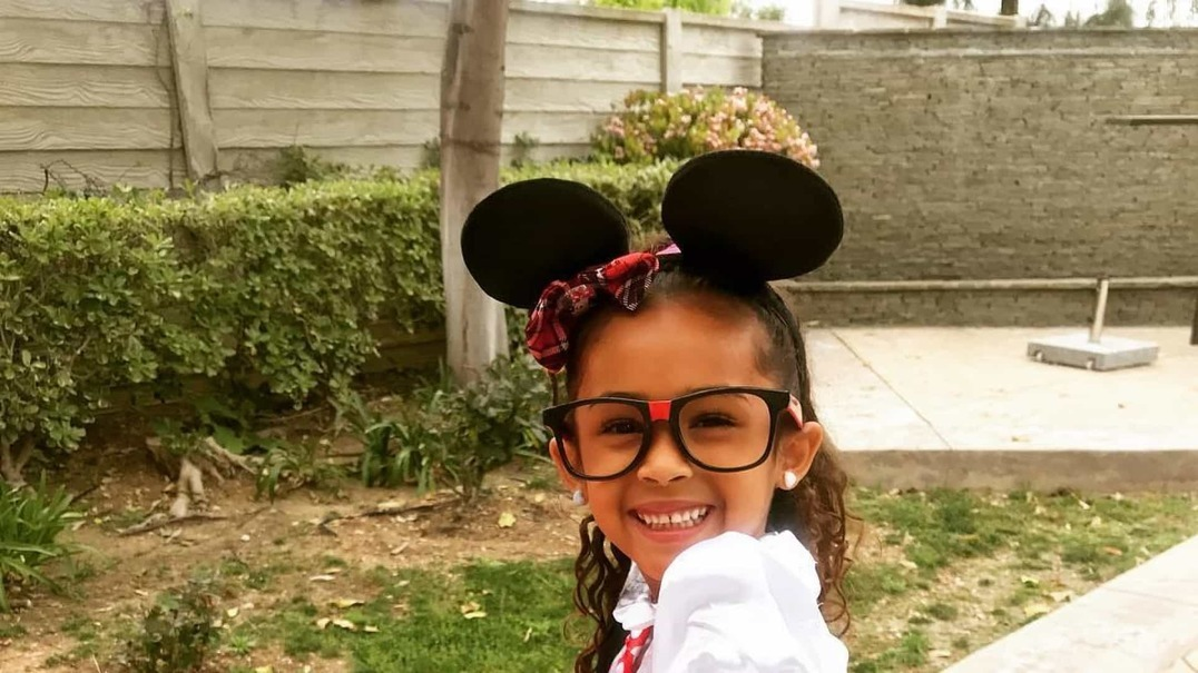 Filha de Chris Brown encanta na internet