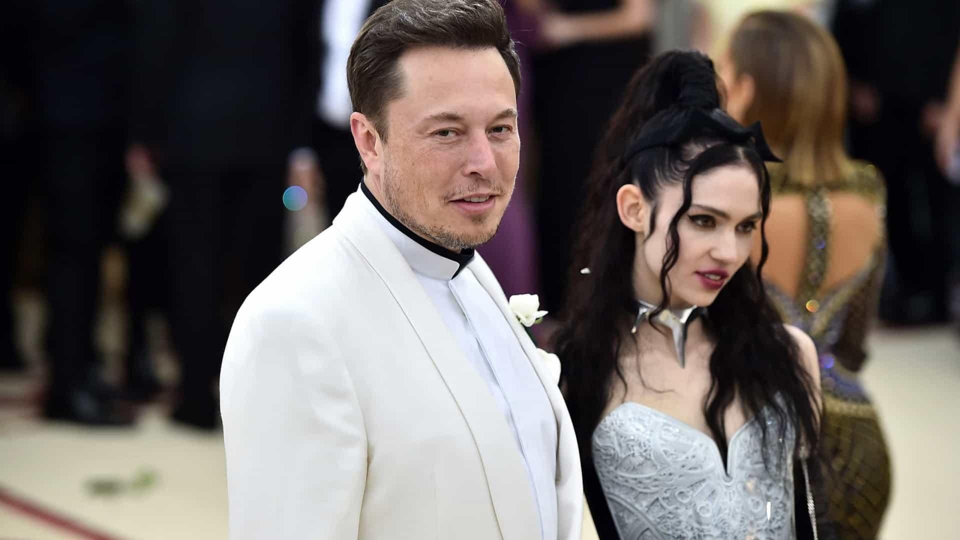 Elon Musk e Grimes mudam novo do bebé para... XÆA-Xii