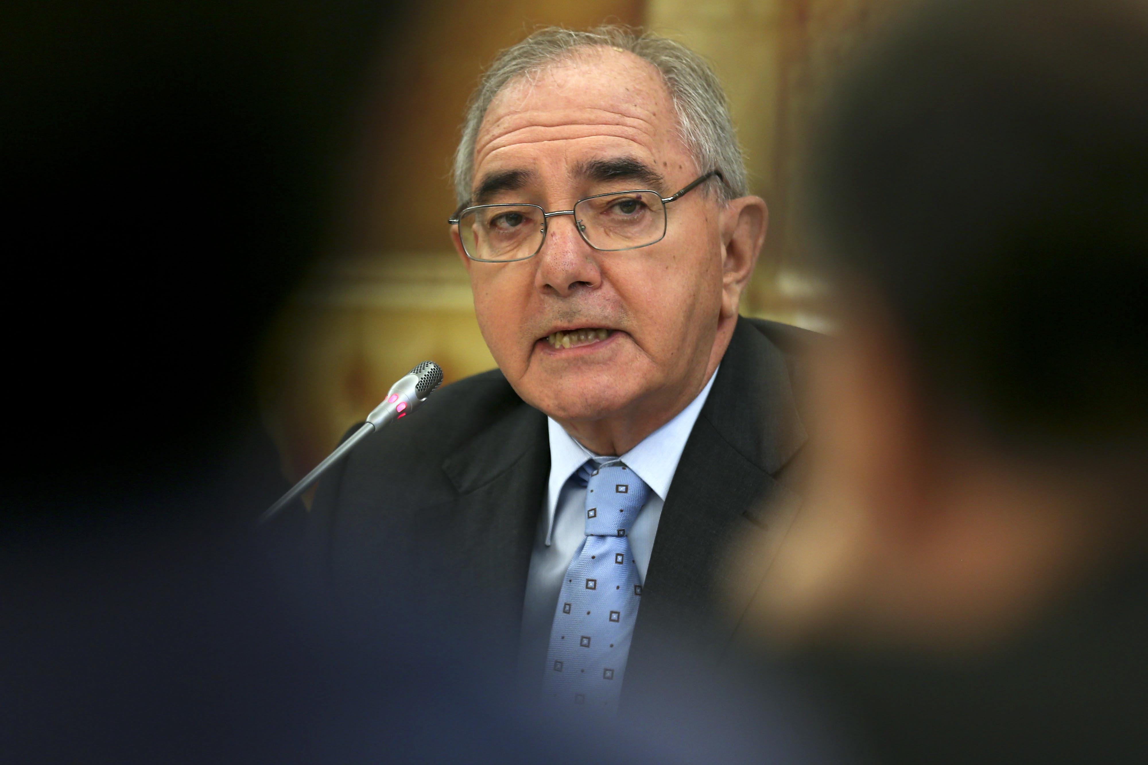 Santana Lopes tem maturidade e experiência para enfrentar o Governo, diz Rui Machete
