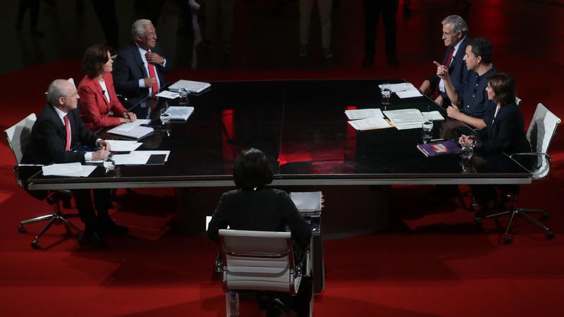 Legislativas: geringonça em modo terapia, direita num ataque a dois tempos e um candidato pouco ambientado. Foi assim o debate a seis