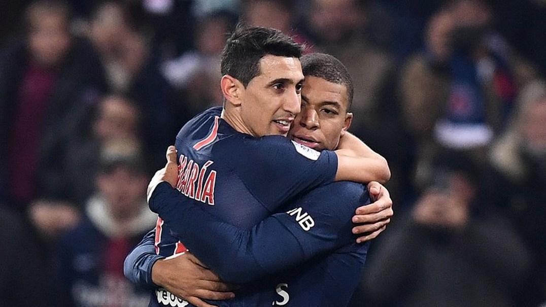 Mbappé não deixa Di María marcar penálti e depois...