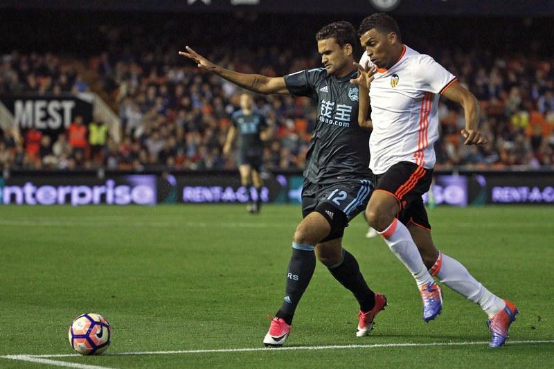 Nani marca, mas Valencia perde em casa com a Real Sociedad