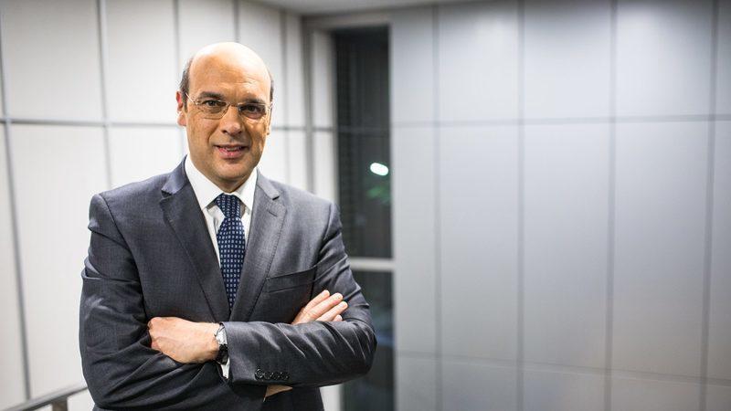 Siza Vieira diz ao Constitucional que perdeu 574 mil euros ao ir para o Governo