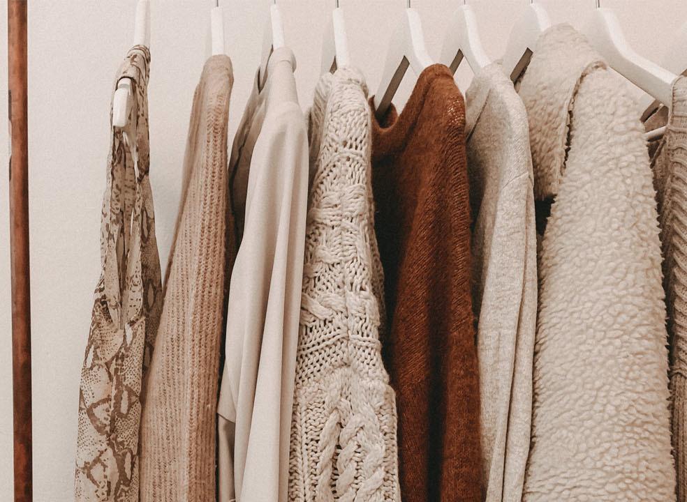 Os 10 piores erros que pode cometer com a roupa de trabalho