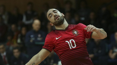 Futsal: Magia de Ricardinho não evita derrota com a Sérvia