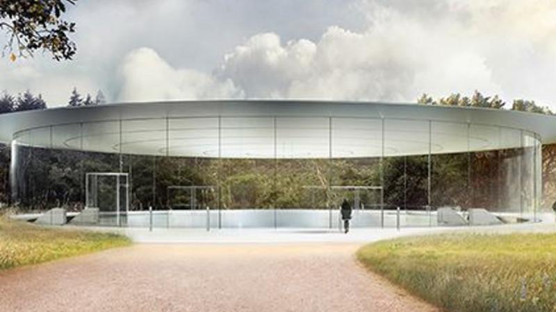 Dezenas de funcionários já bateram nas paredes de vidro da nova sede da Apple