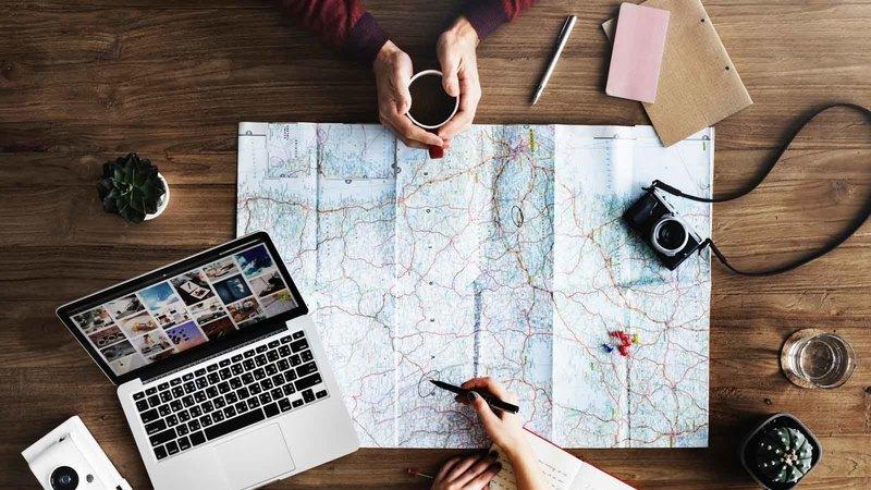 Os 10 passos essenciais para planear uma longa viagem