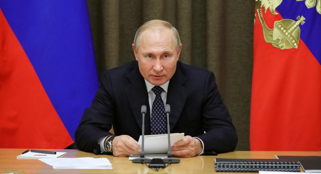 Rússia anuncia início de ensaios clínicos de uma vacina contra o vírus