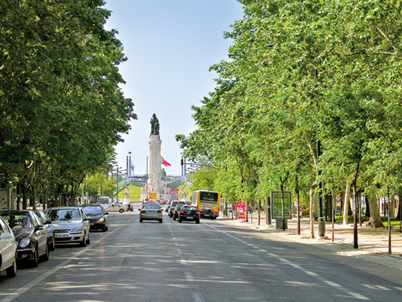 25 Abril: Retomada circulação na Avenida da Liberdade