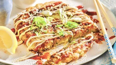 Okonomiyaki, a pizza japonesa